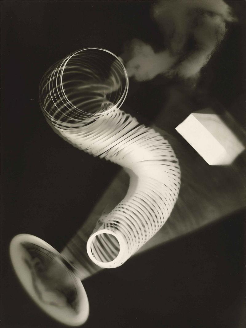 man_ray_1922_untitled_rayograph