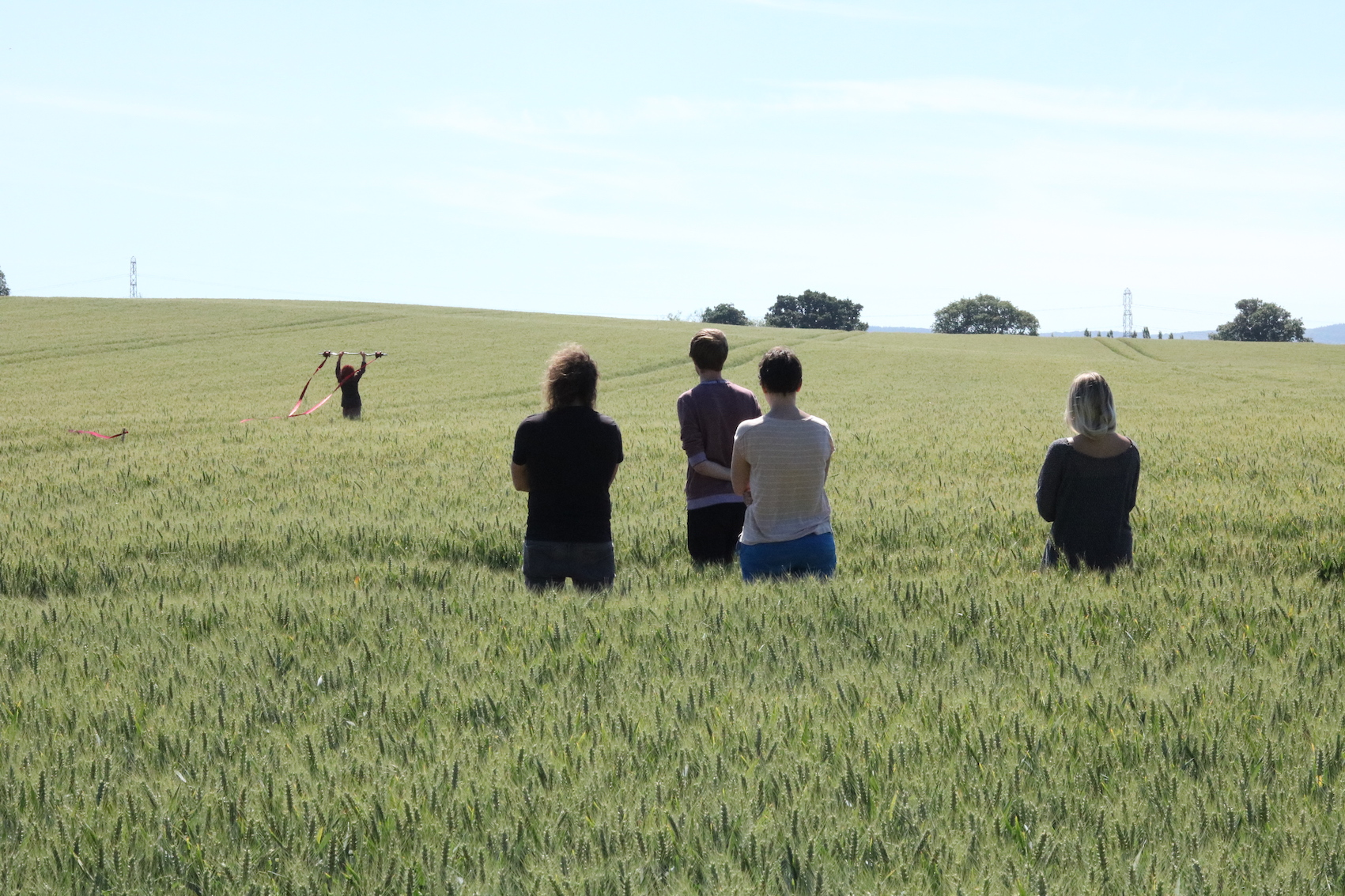 1-hollie-miller-trace-the-field-line_2018-site-specific-durational-performance-at-clayhill-arts-somerset-as-part-of-dialogues-5-photo-liz-west